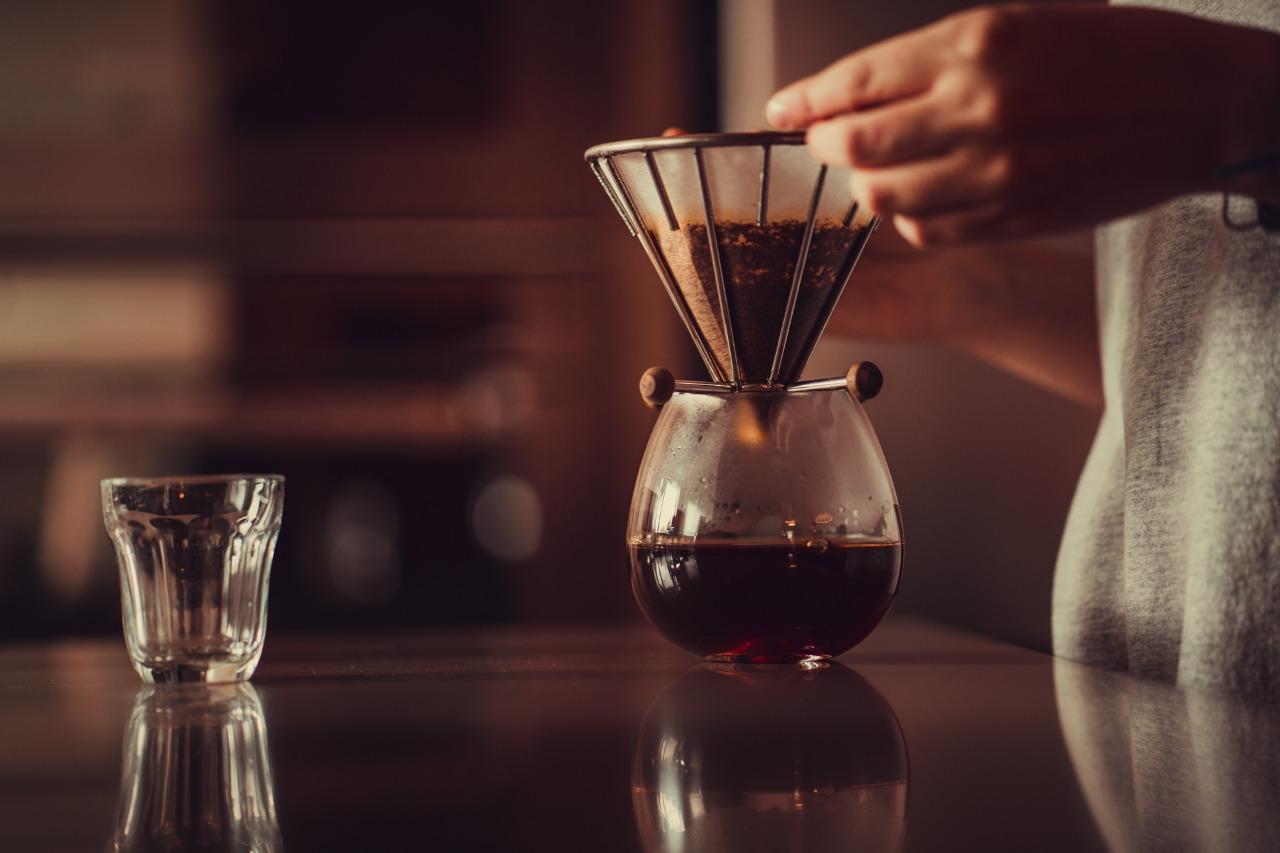 Café sendo coado no Arame